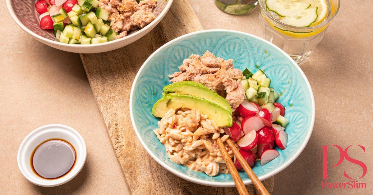PowerSlim recepten - Pokébowl met tonijn en pittige rijst